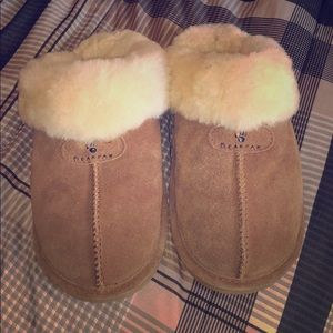 Bearpaw Women's Loki li Slide Slipper
